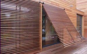 Pour la baie vitr e de la chambre au dessus du porche l for Pare soleil exterieur maison