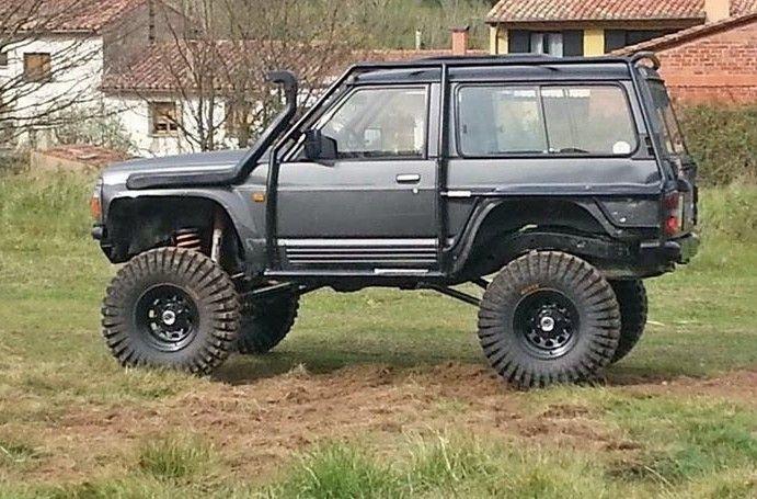 Nissan Patrol Gr Y60 extra lifted