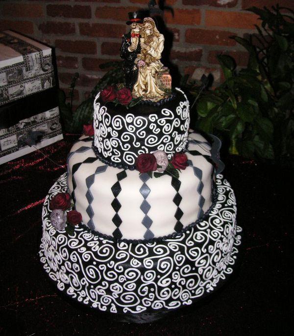 halloween theme wedding   Halloween-Themed Wedding Cakes   WeddingElation