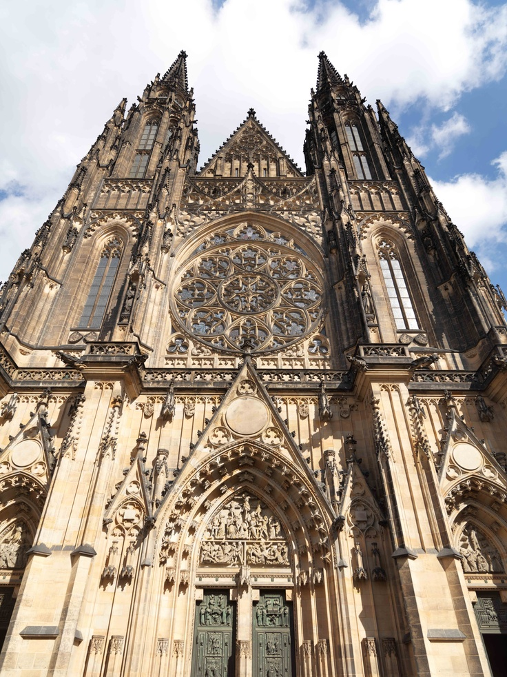 Stunning St. Vitus Cathedral situated entirely within Prague Castle complex is excellent example of Ghotic architecture here in Prague.