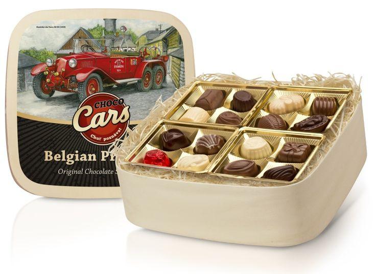 Výborné plněné pralinky z belgické čokolády v luxusní dřevěné dóze s designem historických automobilů z kolekce CHOCO CARS.