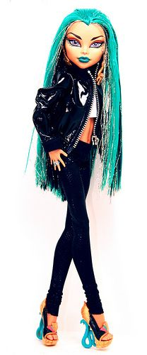 Monster High Nefera. This is a new age bratz doll