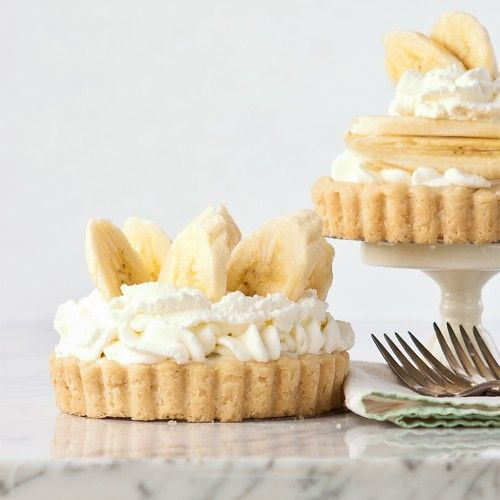 Gluten Free Banana Caramel Pudding Pies and Tarts!