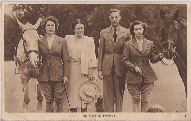 Vintage photo, King George with Queen Elizabeth (the Queen Mother), Princesses Elizabeth and Margaret Rose.
