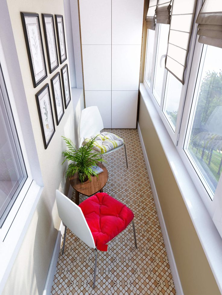 дизайн балкона с зоной отдыха и шкафом