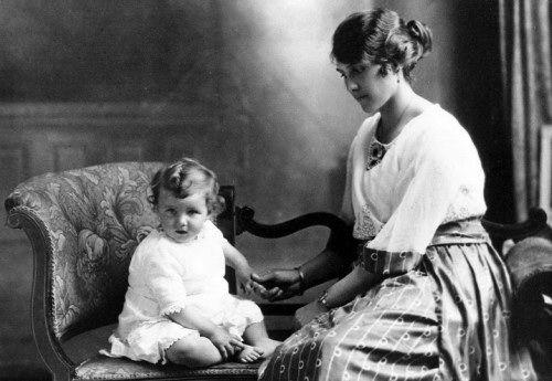 Henrietta Brooke (nee Gwynne) and daughter Joan Barbara