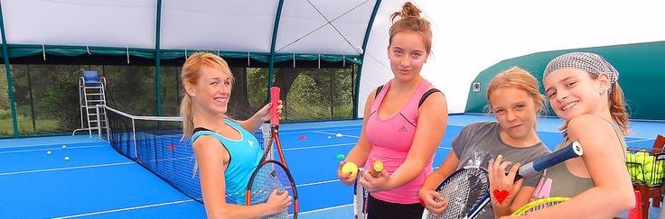 Obozy tenisowe, konne, rekreacyjne