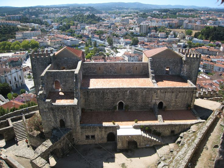 Palácio do rei João I no Castelo de Leiria, em Lairia, Portugal. Fotografia: Hugo Cadavez.