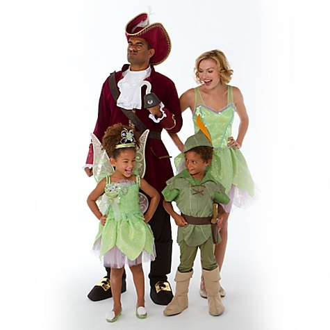 I have always wanted to do the Peter Pan theme! But I think one of the girls in the pic should have done Wendy. <3