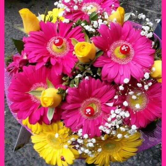 bouquet  colori primavera estate. consegna a domicilio con una semplice telefonata 0815511767 oppure www.chioscodeifiori.com