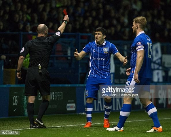 Referee Scott Duncan shows Sheffield Wednesday's Fernando Forestieri the red card during the Sky Bet Championship match between Sheffield Wednesday and Preston North End at Hillsborough on December...