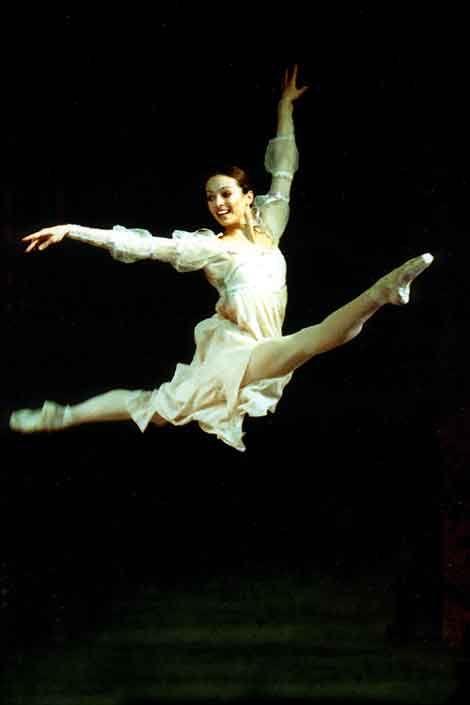 ✯ Diana Vishneva in Romeo and Juliet✯  Besides her utter perfection, notice her joy.