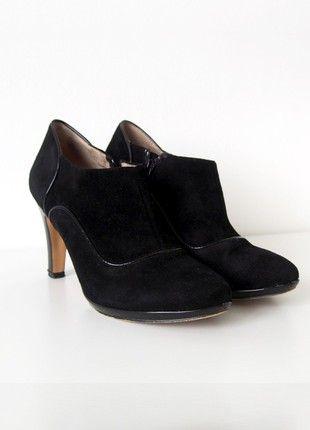 Kupuj mé předměty na #vinted http://www.vinted.cz/damske-boty/kotnikove-boty/17693111-luxusni-cerne-kozene-boty-na-podpatku-lazzarini-vel-38