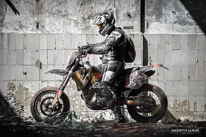 KTM EXC 520 #urbanexplorers #supermoto