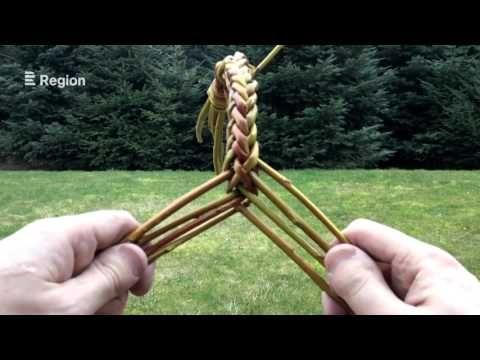 Pletení pomlázky z osmi proutků - YouTube