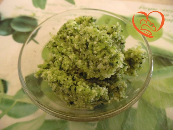 Pesto di zucchine http://www.cuocaperpassione.it/ricetta/1b371f4c-9f72-6375-b10c-ff0000780917/Pesto_di_zucchine