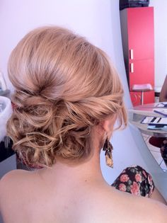 Hair styling by Alexandra Patrulescu