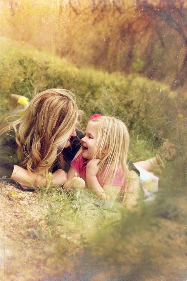 Слез, картинки мама и дочь со спины