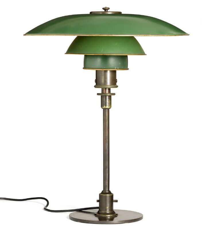 Sold Poul Henningsen Ph 4 3 Table Lamp With Thick Switch House And Browned Brass Stand Marked Pat Appl Haus Innenarchitektur Lampen Innenarchitektur