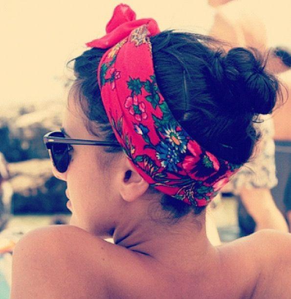 scarf bun hair Foulard coiffure de plage