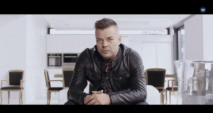 Muzikale TV: Jari Sillanpää - Sinä ansaitset kultaa (Official M...