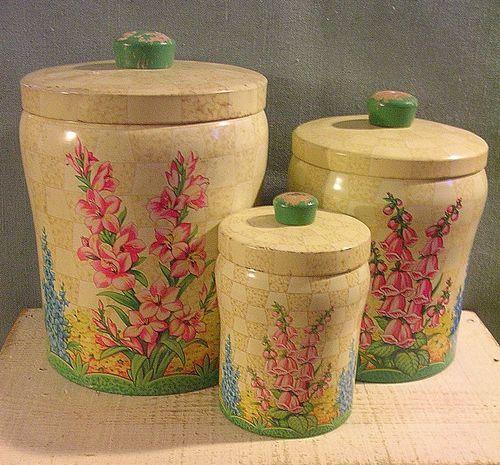 http://www.ebay.com/itm/Lovely-Hard-to-Find-Vintage-Baret-Ware-Tin-Canisters-Set-of-3-Windsor-Gardens-/281159826346?pt=Antiques_Decorative_Arts&hash=item41766e7baa#ht_1823wt_1170: Canisters Sets, Vintage Kitchens, Vintage Baret, Tins Canisters, Windsor Gardens, Kitchens Tins, Ware Tins, Kitchens Canisters, Baret Ware