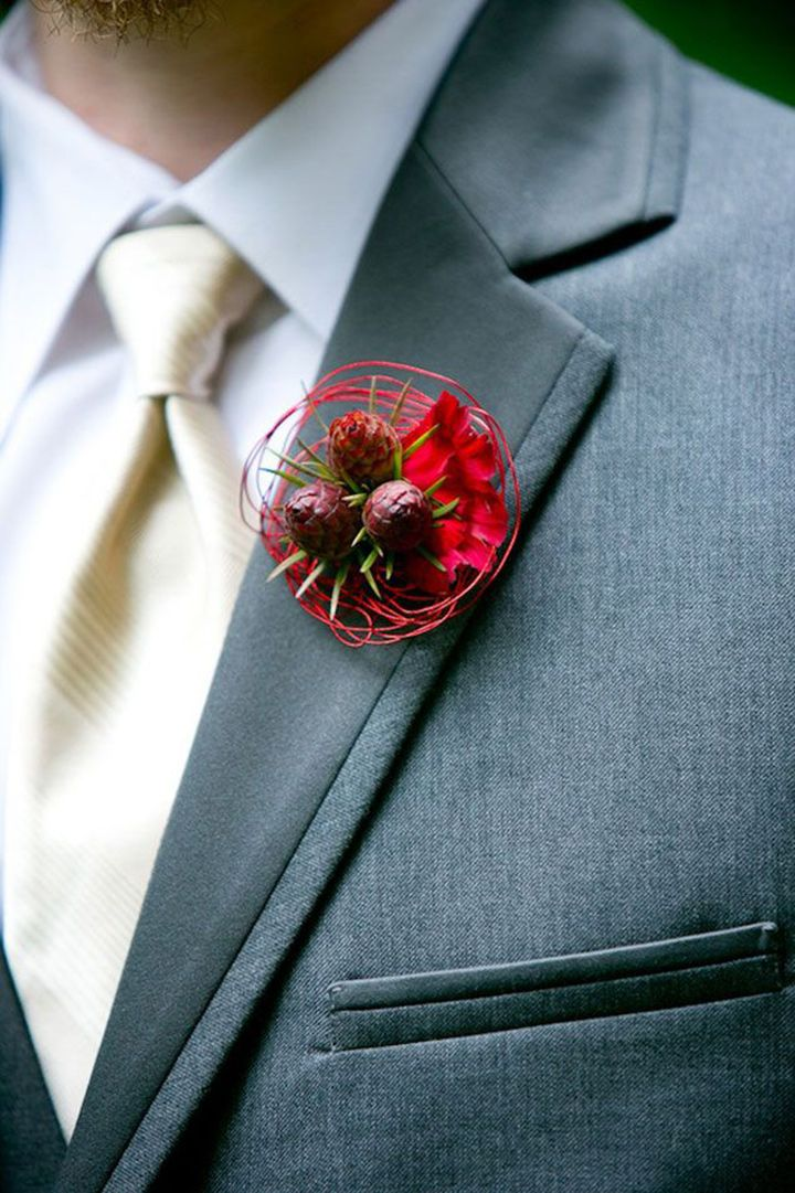 Modern winter boutonniere ~ we ❤ this! moncheribridals.com