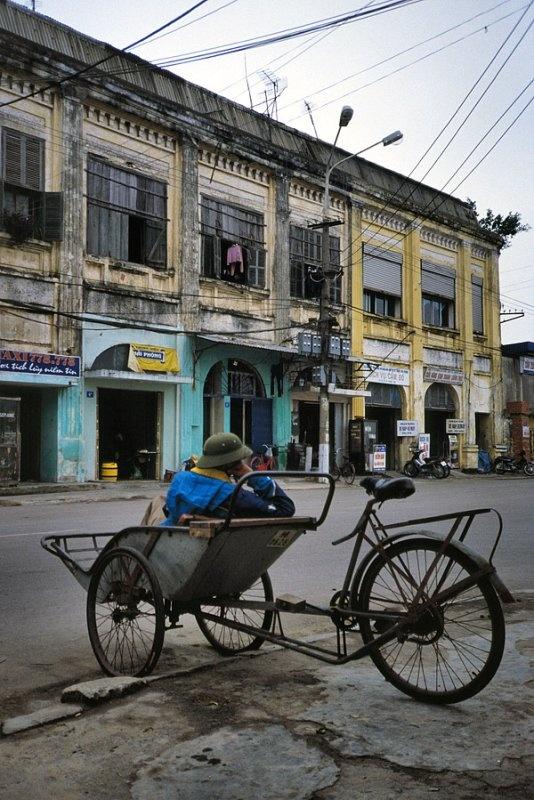 Discovering Vietnam - Haiphong!*>