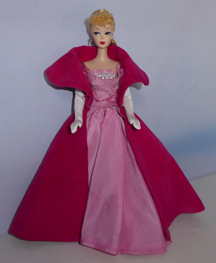 Late Twist N Turn TNT Marlo Barbie By Mattel With Some Of Her Outfits From The Same Period