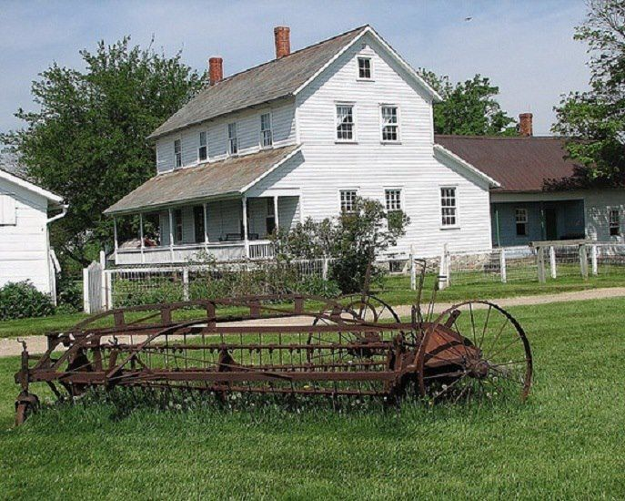 Old farm dream house the south pinterest for Pictures of small farm houses
