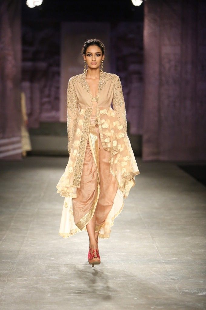 Anju Modi India Couture Week 2014 love the contemporary look
