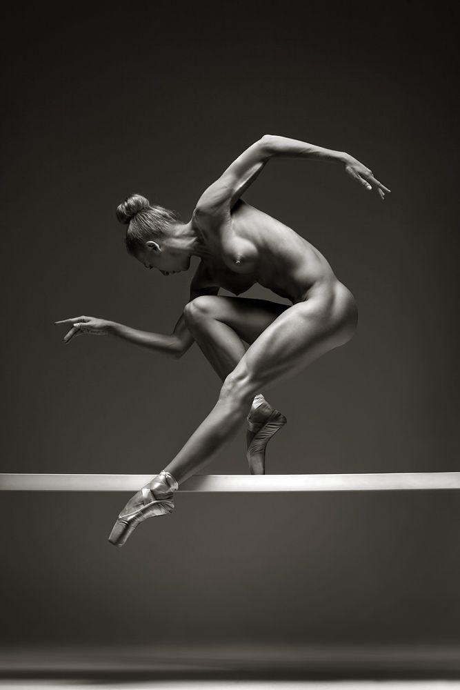 fine-naked-girl-dancing-mccarty