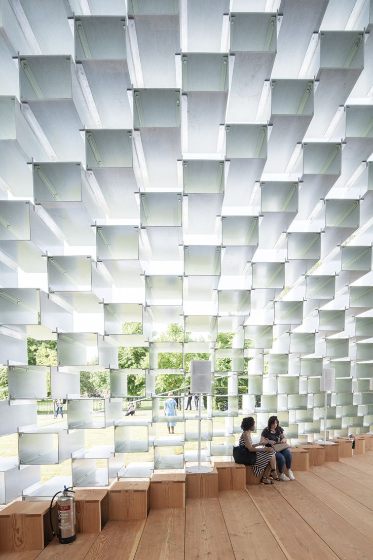 Image 7 of 12 from gallery of Gallery: The Serpentine Pavilion and Summer Houses Photographed by Laurian Ghinitoiu. Photograph by Laurian Ghinitoiu