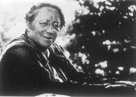 """Emmy Noether 