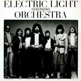 ELECTRIC VINYL ARTWORK http://bobbinabout.com/2014/09/18/elo-vinyl-cover/ - ELO album cover