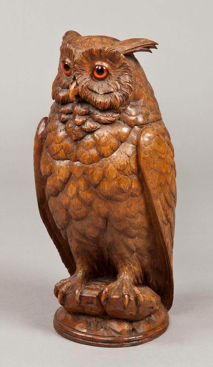 A Carved Black Forest Antique Owl of Exceptional Size 2