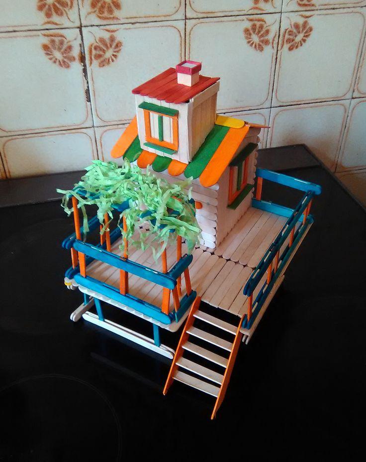 Σπίτι υπερυψωμένο με κληματαριά