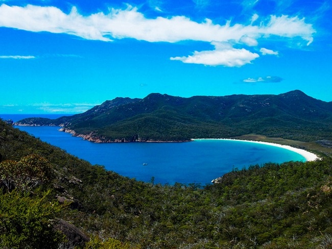 Bucket List - Wineglass Bay in Tasmania, Australia