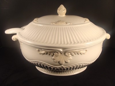 Great LENOX Butleru0027s Pantry Oval Covered Tureen W/ Ladle. Measures 14 1/4 Inches