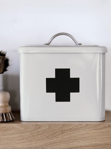 http://www.coxandcox.co.uk/first-aid-box-chalk