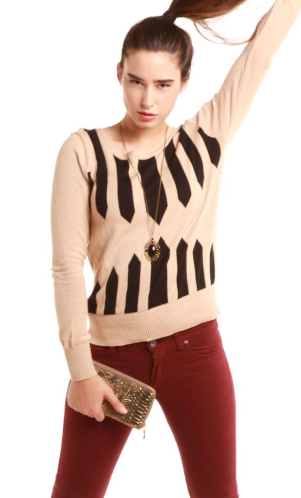 Sweater de hilo tejido en jersey con diseño en jaquard frontal. Más info: http://www.fashion-delivery.com/index.php?id_product=515&controller=product#.U8BFfvl5P9s
