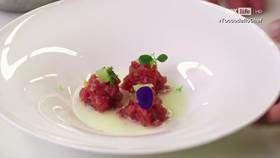 Tartare di tonno e lime con una salsina di cocco e mozzarella - Chef Antonino Cannavacciuolo