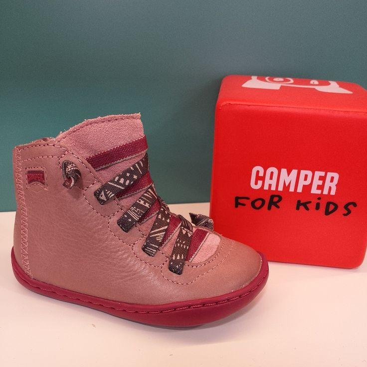 Botines rosas ''Camper'' con talón reforzado y cremallera lateral. Del 20 al 25 -> 72€