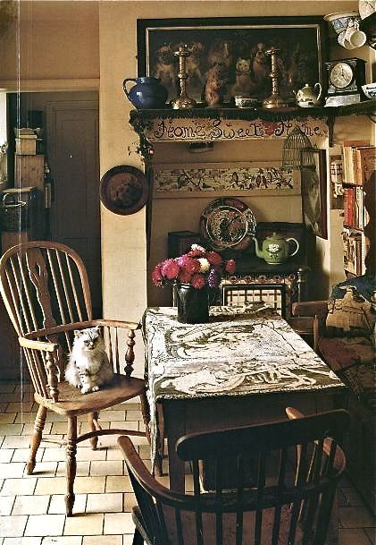 I love the lived in feel. Warm and inviting with the scent of fresh brewed - 600 Best Antique Styles Images On Pinterest Antique Furniture