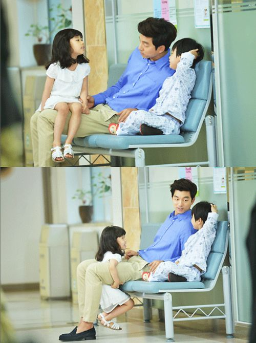"""""""Big's"""" Gong Yoo Is Great with Kids 