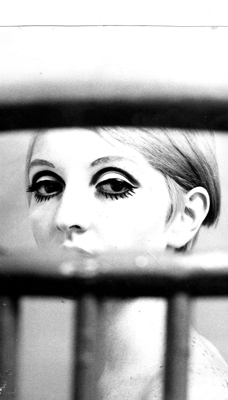 Vogue 1969 eye make up kim eccleston