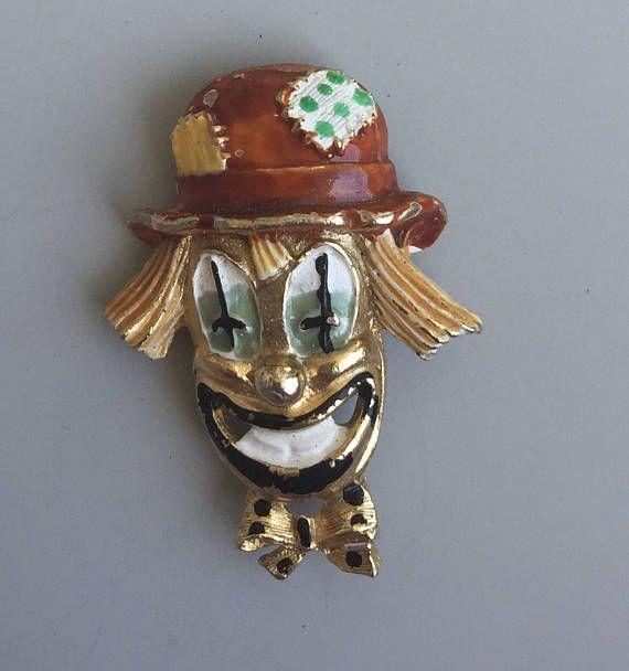 Adorable Vintage Hobo Clown Face Brooch .