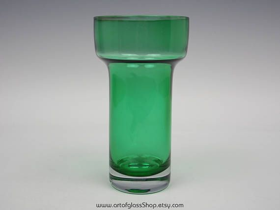 Riihimaki green glass vase