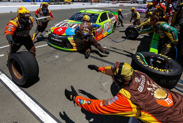Kyle Busch : Relive Kyle Busch's first win of the season at Sonoma Raceway