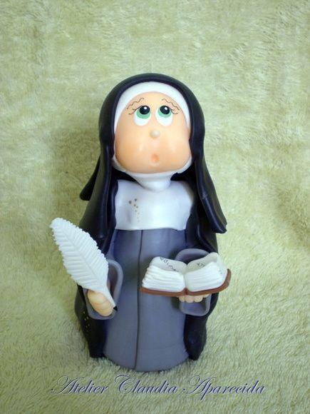 Santa Brigida  modelada em biscuit com características infantis.  Elo7 - Atelier Claudia Aparecida